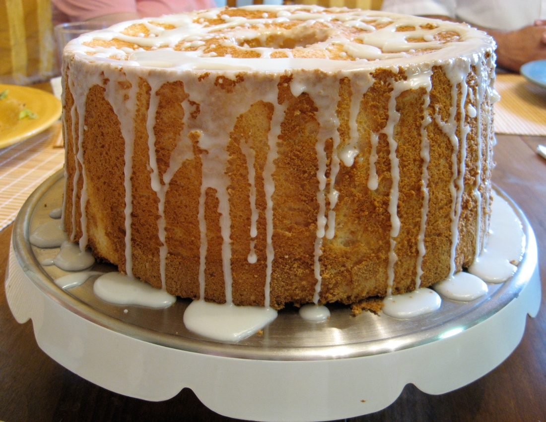 Angel_food_cake_1